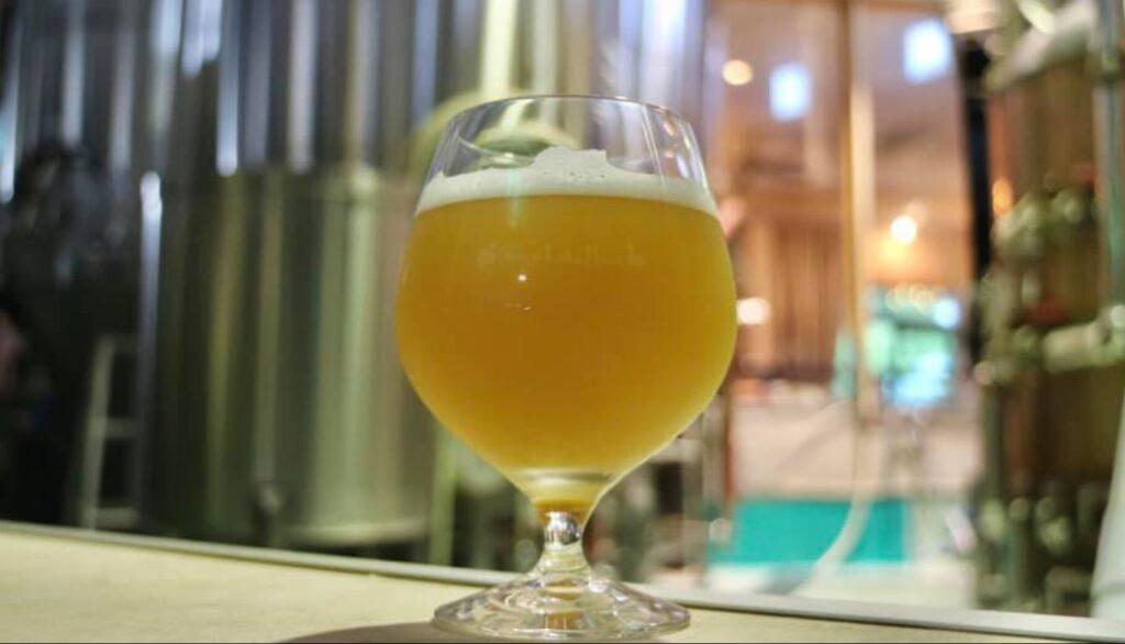 スワンレイクビール(アガノセゾン/2021)_イメージ02