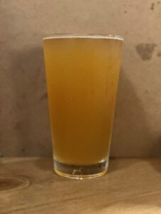 スワンレイクビール(アガノセゾン/2021)_01